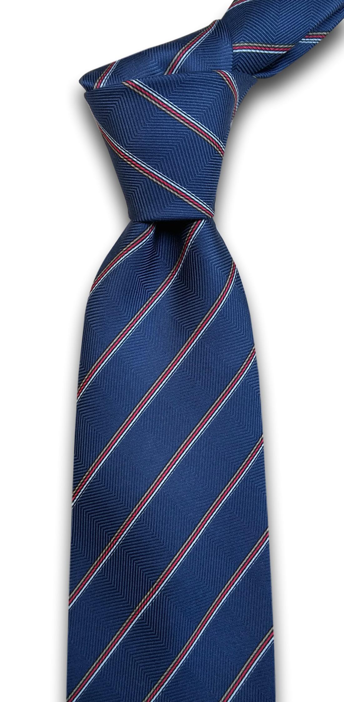 svilena kravata na pruge